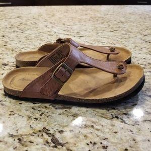 AMERICAN EAGLE AEO   T Strap Footbed Flat Sandal